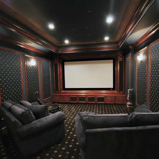 how to create a home theater room decor and lighting tips from fabby. Black Bedroom Furniture Sets. Home Design Ideas