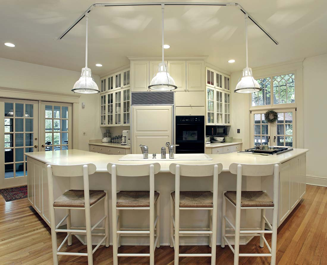 Pendant Lighting Fixture Placement Guide for the Kitchen : breakfast bar kitchen island pendant lights66607648 from blog.fabby.com size 1100 x 894 jpeg 136kB